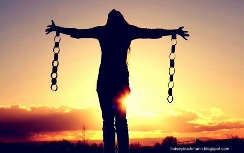 broken chains-001